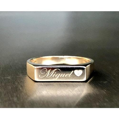 anel de chapa com nome e coração